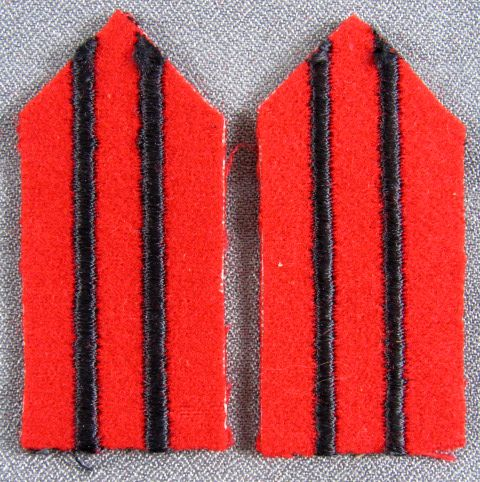 WWII Red Cross Woman's Uniform Collar Tab Set