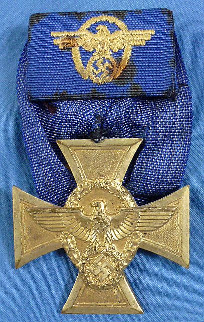 Court Mounted Police 25 Year Service Cross