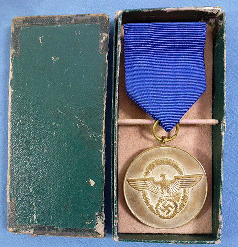 Boxed Third Reich Police 8 Year Service Medal