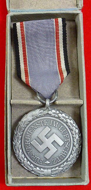Boxed Luftschutz Honor Decoration 2nd Class