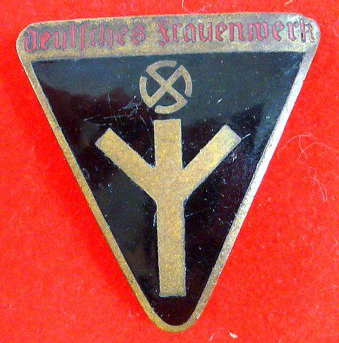 Small Enamel NS Frauenwerk Badge RZM M1/127